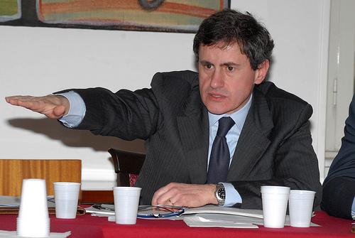 Mafia e politica a Roma, blitz dei Carabinieri in regione e in Campidoglio. Indagato anche l'ex sindaco Alemanno