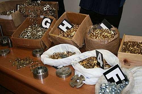 Euro 'Made in China', i Carabinieri sequestrano un container di monete false proveniente dalla Cina. Oltre 600mila euro in valuta il valore