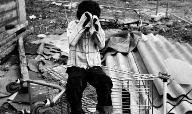 Orrore in India, bambino di sette anni picchiato fino alla morte dal suo insegnante per non aver fatto i compiti