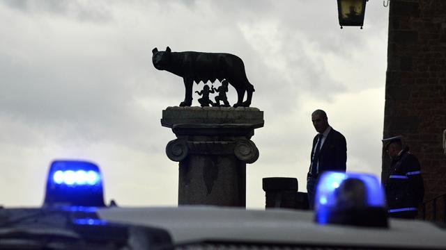 Roma, si allarga l'inchiesta Mafia Capitale. Arrestate altre due persone: facevano da tramite tra la 'cupola romana' e la 'ndrangheta'