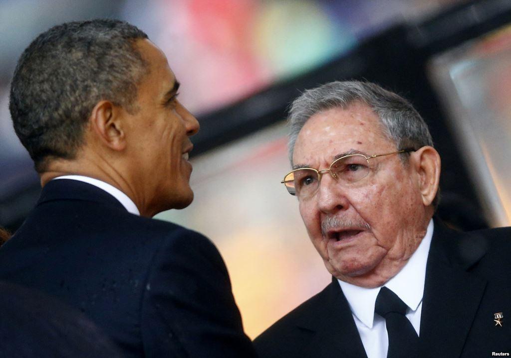 """Usa-Cuba, crolla l'ultimo muro: dopo oltre cinquant'anni i due Paesi tornano al dialogo. Obama: """"Todos somos americanos"""""""