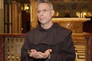 """Assisi, i frati francescani rischiano la bancarotta. Perry a tutti i frati: """"Siamo pieni di debiti, pregate e offrite un contributo finanziario"""""""