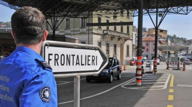 Svizzera, referendum sui limiti all'immigrazione straniera: il 59% vota no