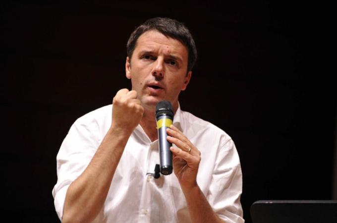 """Lavoro, l'Istat: il tasso di disoccupazione a dicembre scende dello 0,4%. Renzi: """"100 mila posti in un solo mese. Ed è solo l'inizio"""""""