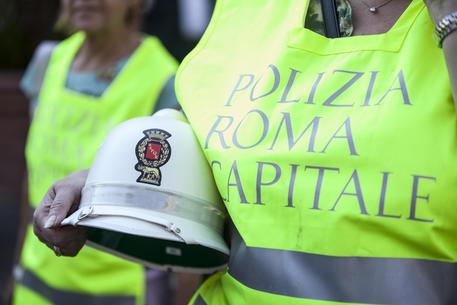 """Roma, 83 vigili su 100 assenti il 31 dicembre. Renzi: """"Per questo nel 2015 cambieremo le regole nel Pubblico Impiego"""""""