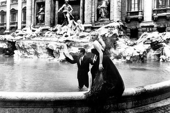 Roma all et di 83 anni si spenta anita ekberg celebre il suo bagno nella fontana di trevi - Bagno fontana di trevi ...