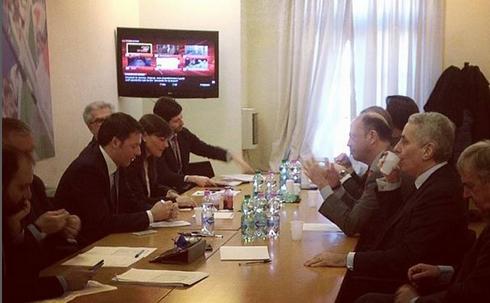 """Presidenza della Repubblica, Renzi stasera incontrerà gli ex del M5S. ll premier d'accordo con Alfano: """"Voteremo un politico, non un tecnico"""""""