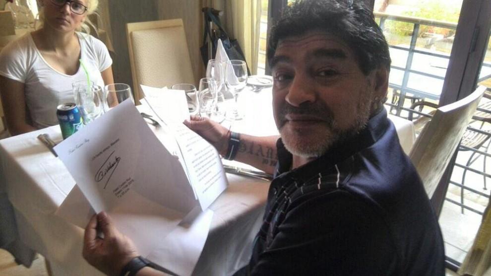 Fidel è ancora vivo, la prova è una lettera che Castro avrebbe scritto a Maradona