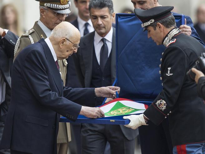 Quirinale, Napolitano torna a casa dopo 9 anni, inizia il totonomi per la sua successione. Apertura su Veltroni