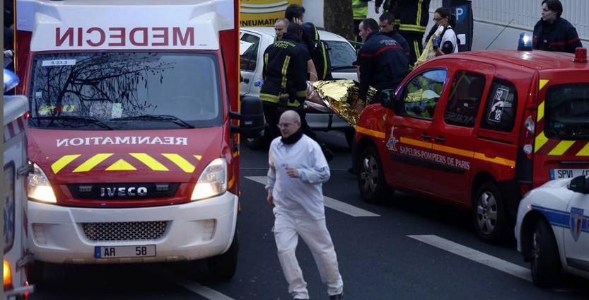 Strage di Charlie Hebdo, mandati di cattura per due fratelli franco-algerini. Stamattina una vigilessa è rimasta uccisa in un'altra sparatoria