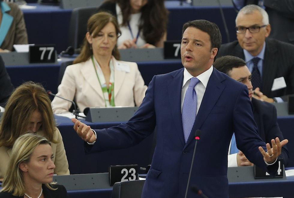 """Strasburgo, chiude il semestre europeo a guida italiana. Renzi: """"L'Europa sia luogo di speranza per prossime generazioni"""""""