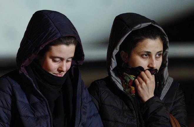"""Vanessa e Greta in Italia dopo cinque mesi di prigionia. I ribelli: """"Pagati 12 milioni per liberarle"""". Polemiche sul riscatto"""