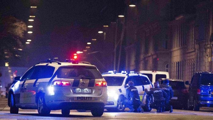 Copenaghen, doppio attacco terrorista: ucciso il killer. Bilancio tragico: 2 morti e 5 feriti. Nel mirino l'autore delle vignette su Maometto
