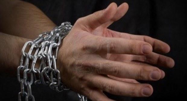 Padova, gioco erotico finito male: uomo di 55 anni trovato morto nella doccia
