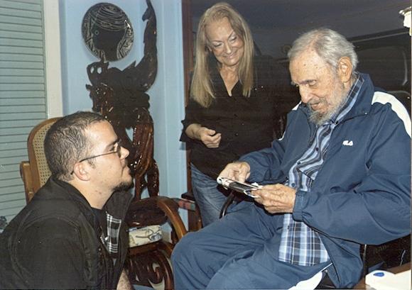Cuba, spuntano nuove immagini di Fidel Castro. Sono le prime del lider maximo dopo quelle apparse in agosto