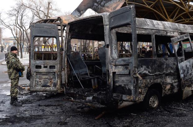 Ucraina, attentato a Donetsk, il bilancio è di due morti e due feriti gravi. Putin oggi a Minsk per un vertice sulla sicurezza