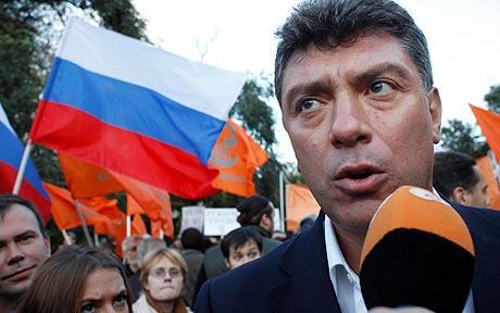 Mosca, il leader dell'opposizione Boris Nemtsov freddato con quattro colpi di pistola. Aveva accusato Putin di corruzione