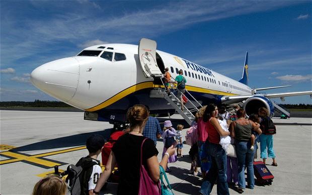 """Voli low cost, Ryanair lancia la sfida: """"Dall'Europa a New York con soli 10 euro"""""""