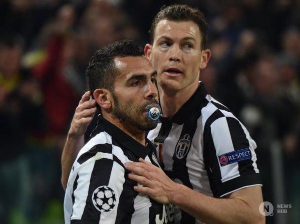 Andata degli ottavi di Champions League, la Juve batte 2 a 1 il Borussia Dortmund. Ansia Allegri per l'infortunio di Pirlo