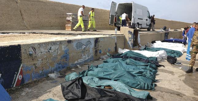 Migranti, nuova strage a Lampedusa: Sono oltre 200 i morti del naufragio avvenuto la scorsa notte. L'età media delle vittime è tra i 18 e i 25 anni