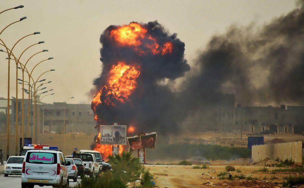 """Libia, nuovi raid egiziani contro i terroristi. Vertice a Palazzo Chigi per chiarire la posizione italiana. Il leader Isis: """"Ci vendicheremo"""""""