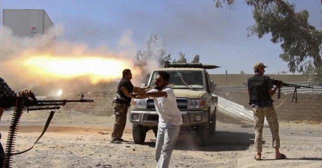 """Libia, inizia l'incursione terrestre delle forze egiziane contro l'Isis. Gentiloni: """"Serve una risoluzione politica"""""""