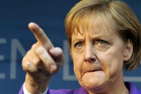 """Eurogruppo, si cerca il compromesso tra Grecia e Germania. Merkel: """"Vediamo quali proposte farà Atene"""""""