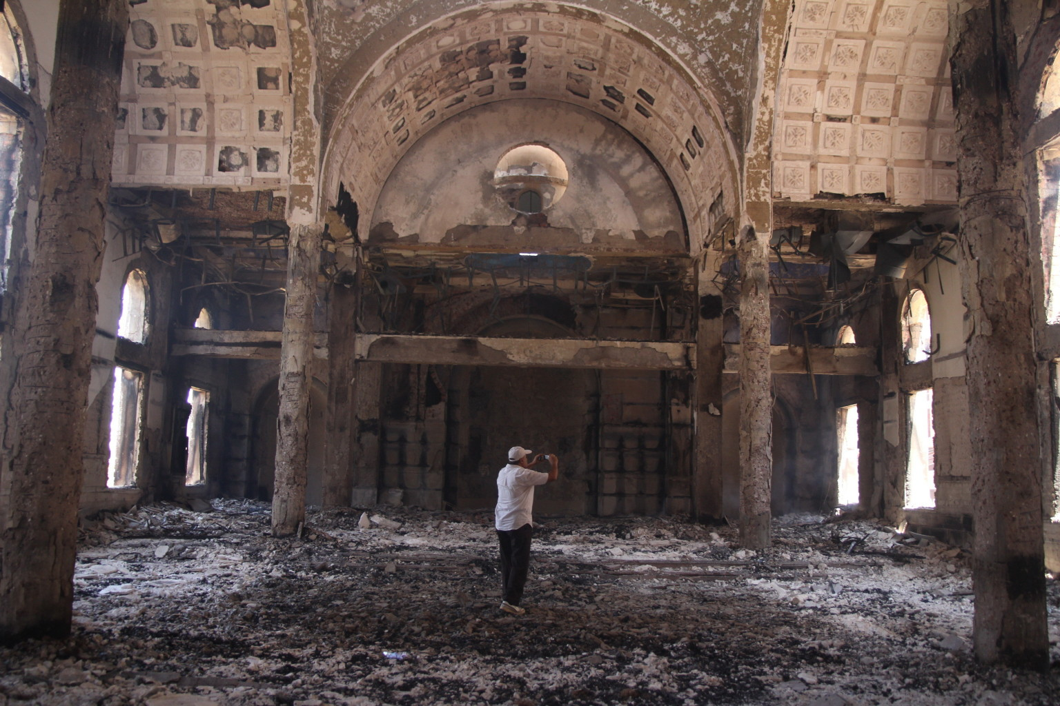 Terrorismo islamico, sale a 280 il numero di cristiani assiri rapiti in Siria. Due chiese sono state date alle fiamme