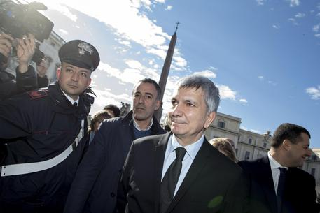 """Quirinale, il Presidente Mattarella riceve le opposizioni, al Colle FI, Sel, Lega e M5s. Vendola (Sel): """"Non si governa l'Italia a colpi di mano"""""""