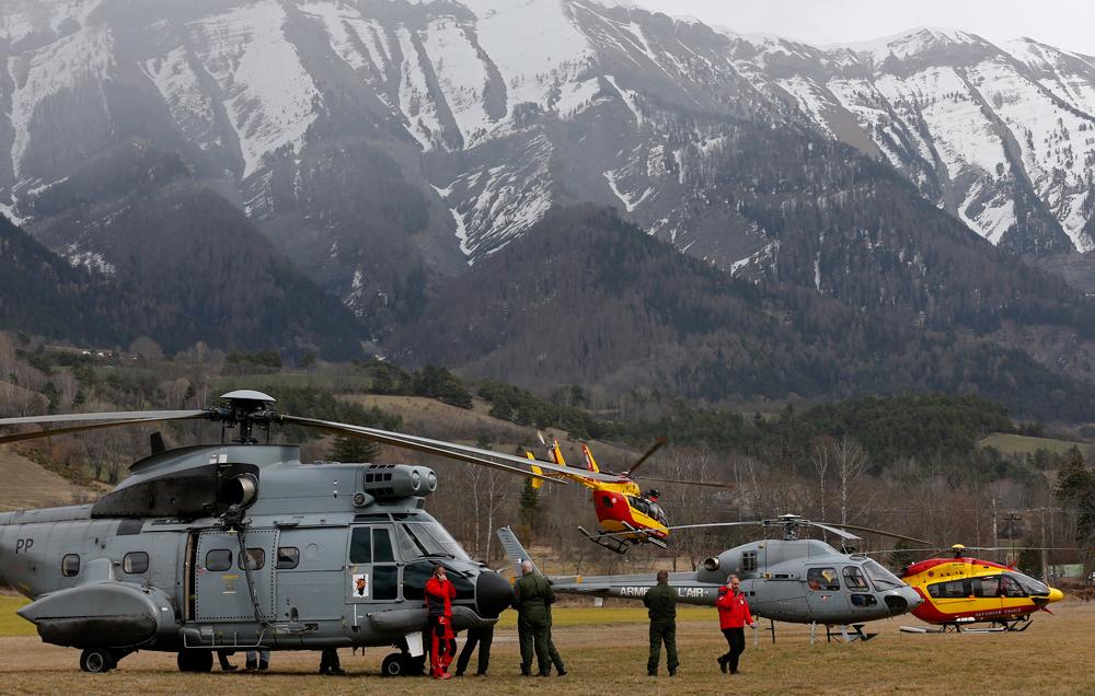 Tragedia in Provenza, precipita aereo della Germanwings con 148 persone a bordo. Giu' per 9 mila metri, 10 minuti di terrore. Niente sopravvissuti