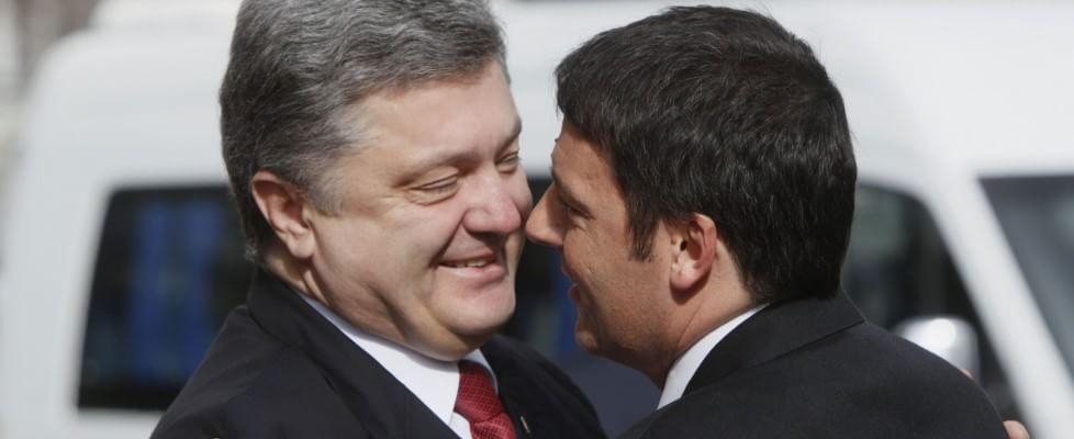 """Kiev, Renzi incontra il premier Poroshenko: """"Tutti vogliamo il rispetto dell'indipendenza e della sovranità dell'Ucraina"""""""