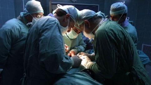 """Londra, trapiantato per la prima volta un cuore non battente: """"E' stato riattivato l'organo spento"""""""