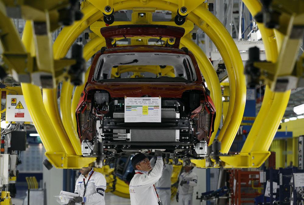 """Gli italiani credono nella ripresa economica, l'Istat: """"La fiducia delle imprese cresce ai livelli del 2008. Ottimismo in tutti i settori"""""""