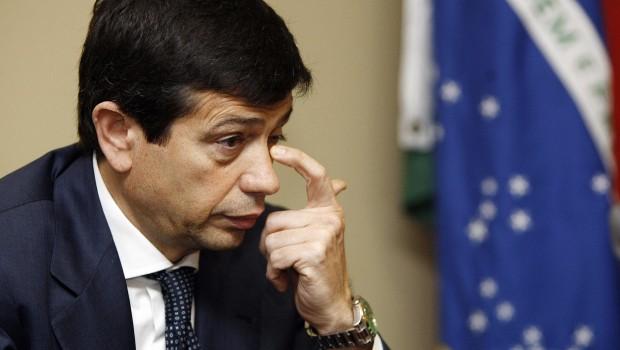 """Bufera sul Ministro Lupi, M5S e Sel presentano una mozione di sfiducia. Delrio: """"Dimissioni? Ci pensa"""". Il Ministro: """"Chiarirò la mia posizione"""""""