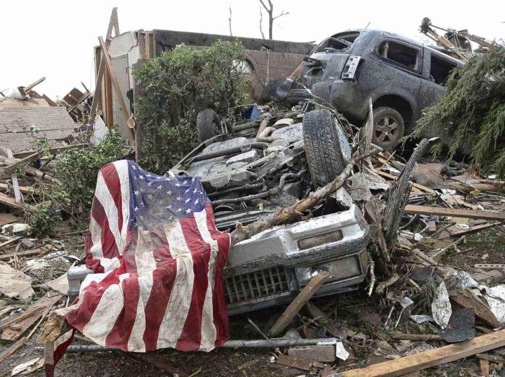 Oklahoma, tornado devasta la città: Un morto e diversi feriti
