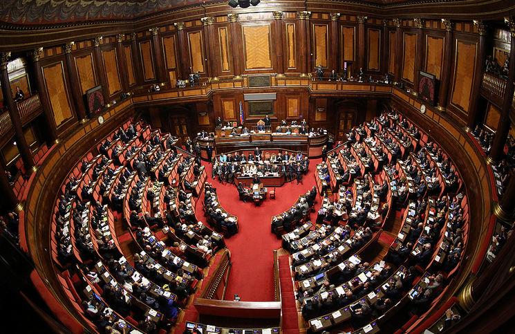 """Riforma del Senato, arriva il Sì alla Camera. I deputati M5s non hanno partecipato al voto. FI vota No. Il Pd: """"Il Patto del Nazareno non c'è più"""""""