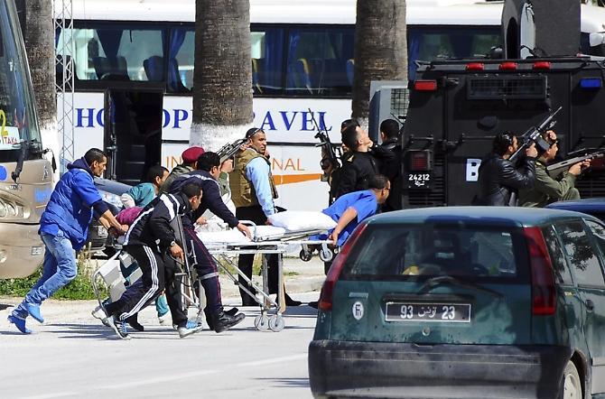 Attentato a Tunisi, centinaia di turisti italiani erano in città per una delle tappe della Costa Concordia | VIDEO