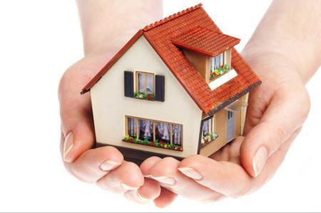 Il mercato immobiliare torna a crescere dopo sette anni di risultati negativi ( +1,8% nel 2014). Ma i prezzi continuano a scendere
