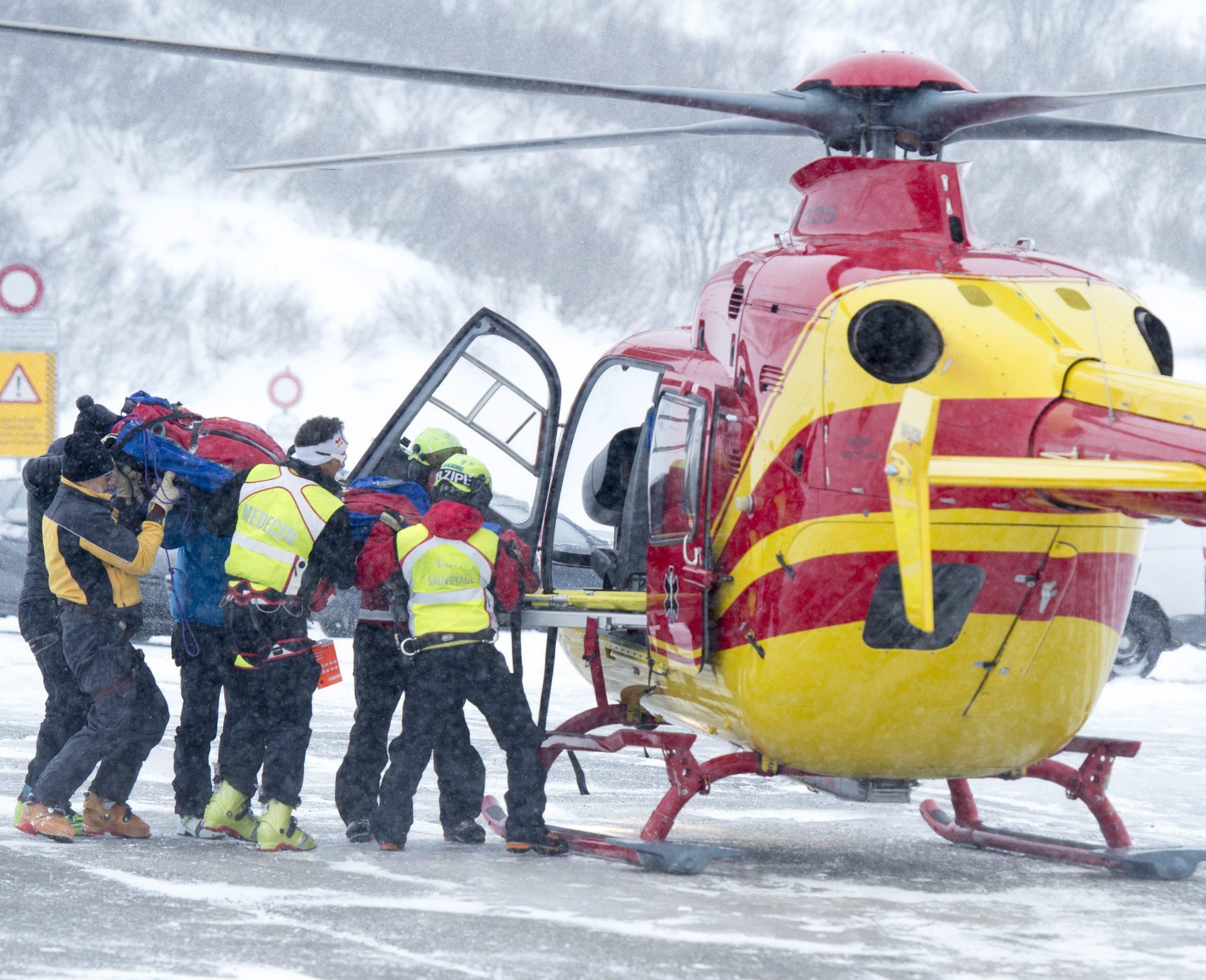 Valle di Susa, gruppo di sciatori travolti da slavina: due morti. Salvi altri due scialpinisti