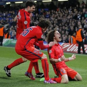 Champions League, grande impresa del Psg che in 10 uomini elimina il Chelsea di Mourinho e vola ai quarti di finale