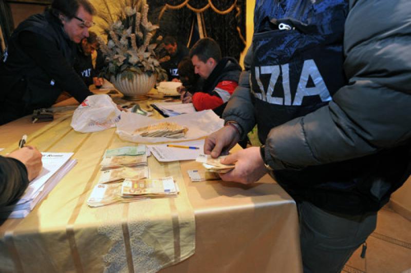 Roma, duro colpo al clan dei Casamonica: arrestate otto persone per usura e associazione mafiosa