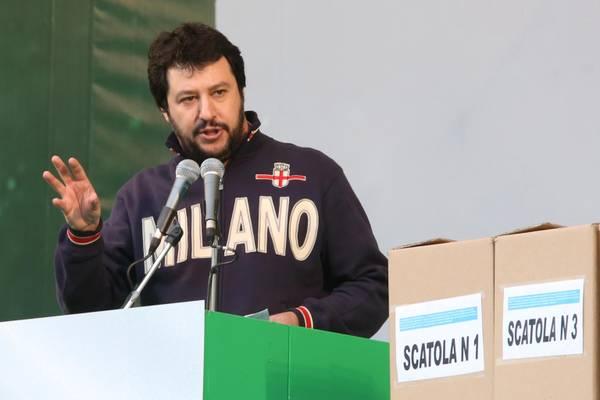 """Milano, dopo la rinuncia di Pisapia a ricandidarsi, Salvini si propone come prossimo sindaco: """"Sono a disposizione"""""""