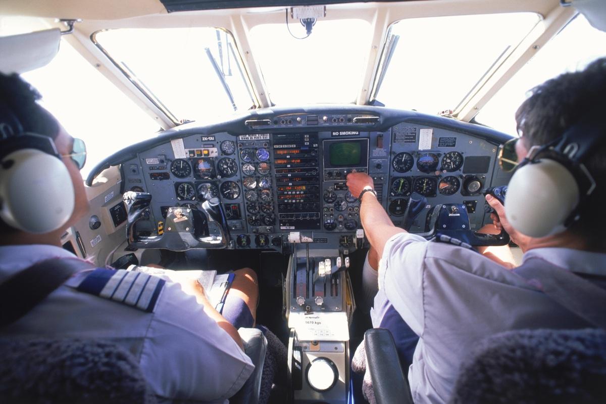 """Disastro Germanwings, parla l'esperto: """"Ecco come un pilota può chiudersi dentro anche se il comandante conosce i codici di accesso"""""""