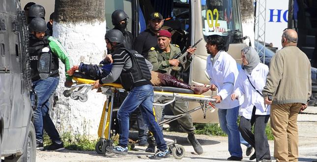 Strage al Museo di Tunisi, i morti sono 22. Quattro le vittime italiane. Circa 80 torinesi erano in crociera con la Costa Fascinosa