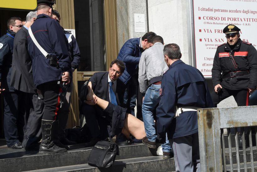 """Milano, sparatoria in Tribunale: 3 morti tra cui un giudice e due testimoni. Il killer arrestato, a processo per crac: """"L'ho fatto per vendetta volevamo rovinarmi"""""""
