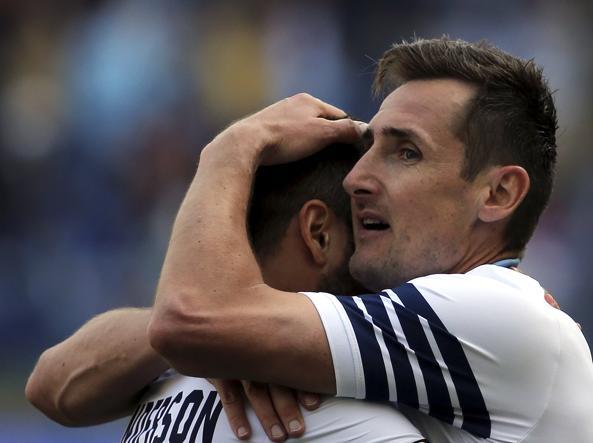 Serie A, la Lazio vince l'ottava partita di fila e vola al secondo posto