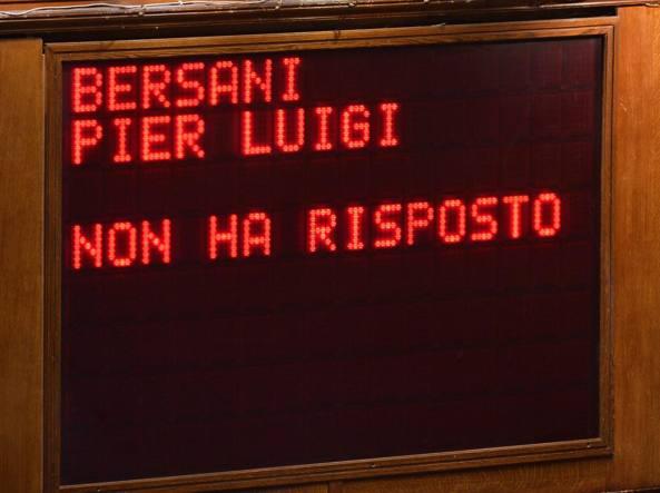 Italicum, Renzi incassa il primo si alla Camera. 38 i dissidenti Pd. Bersani, Bindi e Cuperlo non votano. Il premier: e' la volta buona