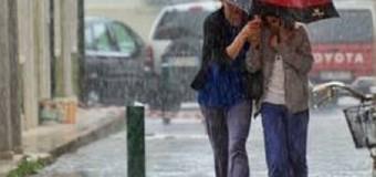 Week end bagnato, si torna all'ombrello: da sabato in arrivo piogge e temporali nelle regioni settentrionali poi nel resto del Paese. Maggio porta il sole
