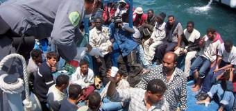 """Emergenza immigrazione, si cambia. Renzi ai presidenti delle Regioni: """"Si accolgono solo i richiedenti asilo, i migranti economici si rimpatriano"""""""
