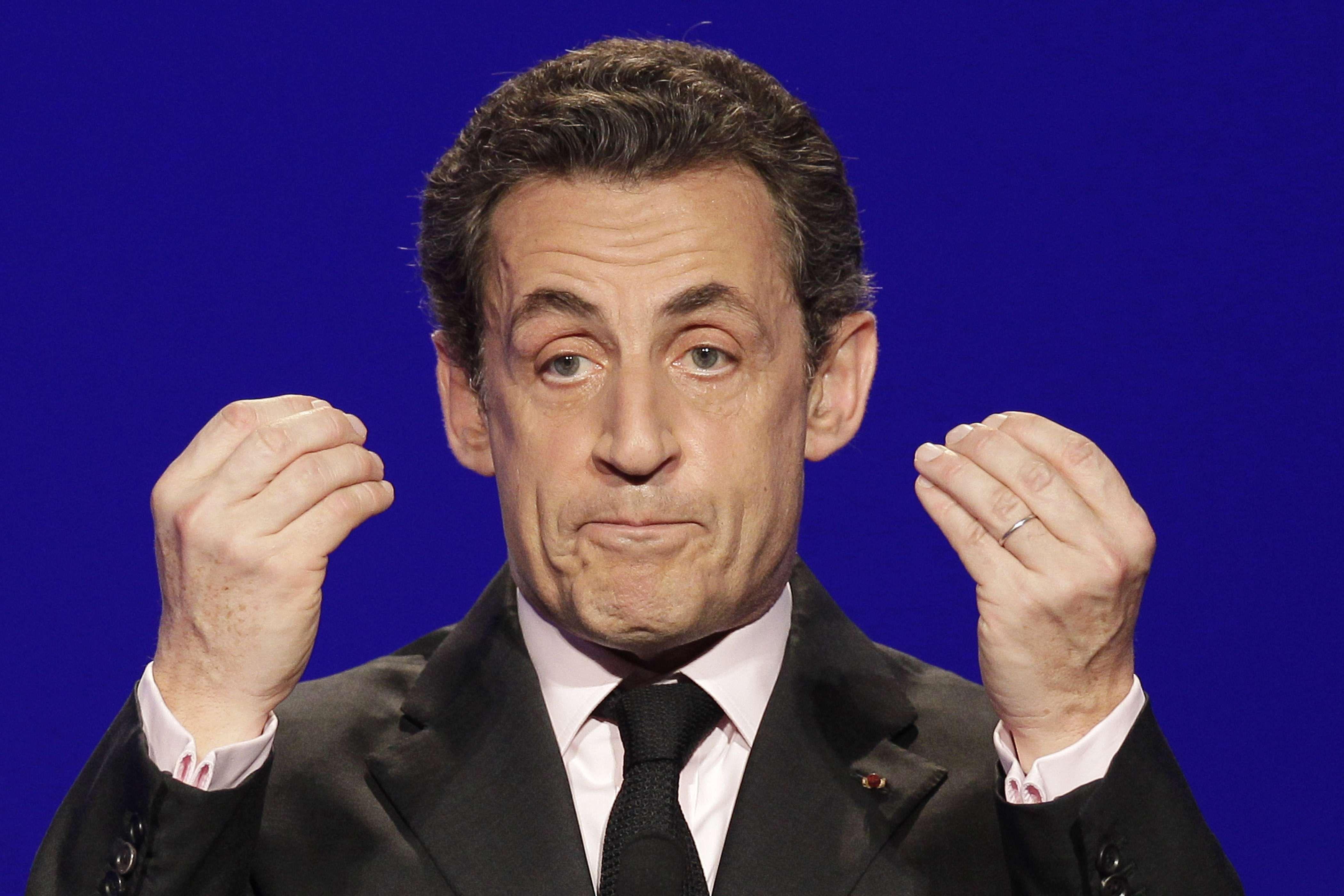 Spese elettorali eccessive in Francia, Sarkozy interrogato dalla Finanza. Arrestati tre suoi stretti collaboratori
